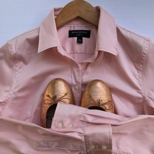 Banana Republic Tailored Fit Pink Button Down Top